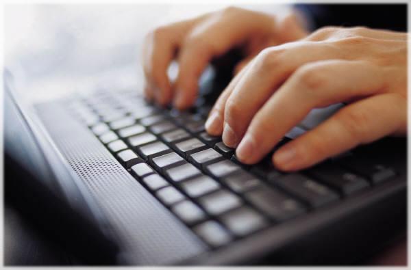 descubra como as redes sociais o podem ajudar a encontrar o próximo emprego