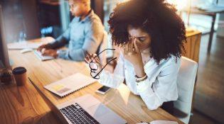 mulheres-trabalham-mais-do-que-homens
